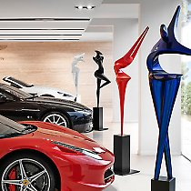 Exposition de sculptures chez Aston Martin - Lamborghini - Ferrari