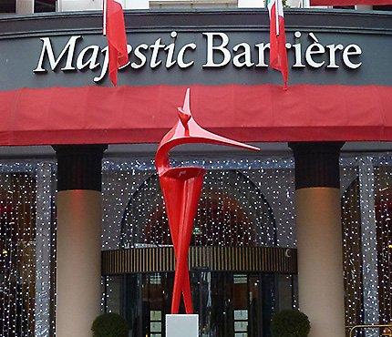 Exposition sculpture monumentale - Hôtel Majestic Cannes Croisette